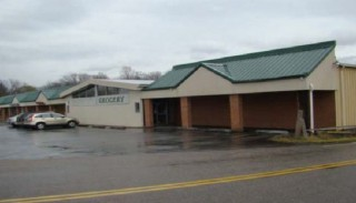 14,750sf Former Grocery Store