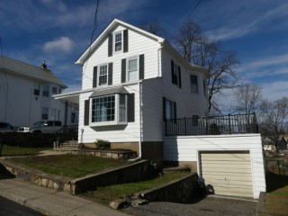 Bankruptcy Auction: Cape Cod Home in Rockaway, NJ